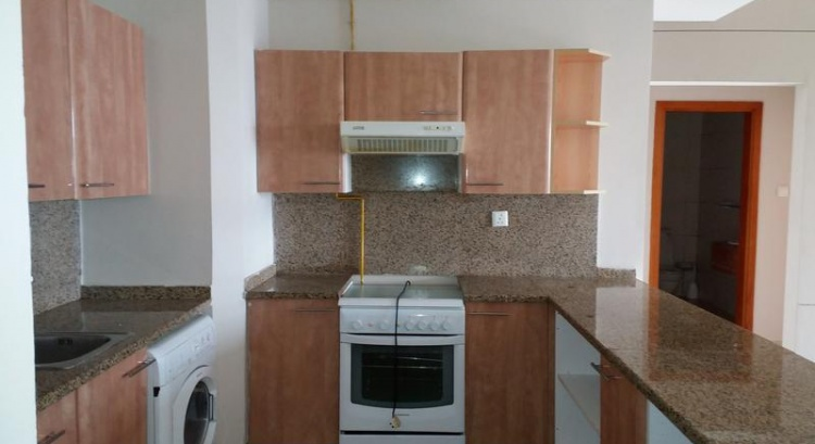 FOR KABAYANS-12 CHEQS- SEMI FURNISHED HUGE 1BHK WITH ALL FACILITIES FOR IN ROLLA ,BUR DUBAI  –  AED 85,000 /yr