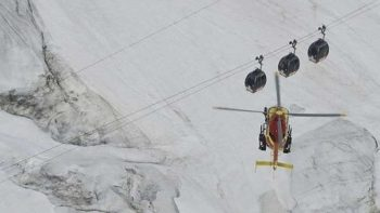 French Alps cable cars tourists rescued