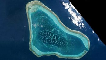 Chinese ships still guarding Scarborough Shoal