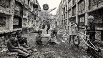 Photo of children at Manila cemetery wins HIPA photo contest