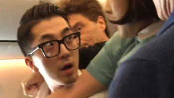 Richard Marx helps subdue unruly plane passenger