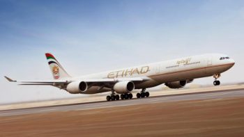 Etihad plane returns to Abu Dhabi after engine trouble
