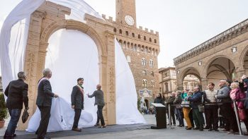 'Palmyra arch' that Dubai group helped create draws millions in Italy