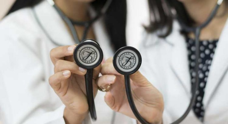 UAE launches e-services to help doctors get golden visa