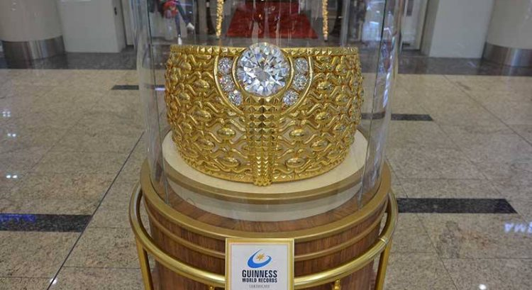 Find world's largest gold ring in Sharjah