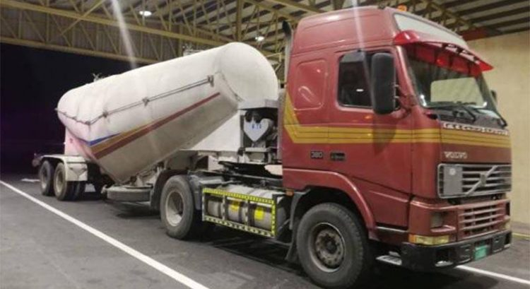 22 found hiding in concrete mixing truck while trying to enter UAE illegally