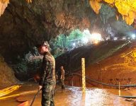 Thai cave rescue: first 4 boys surface