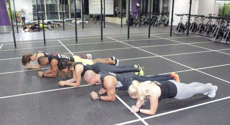 Plank challenge returns in Dubai