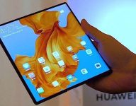 Watch: New smartphone has foldable screen