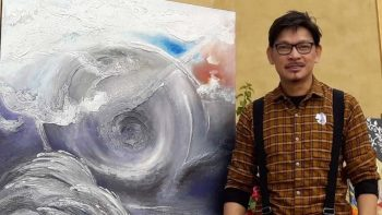 UAE's singing painter unveils 'obra maestro'