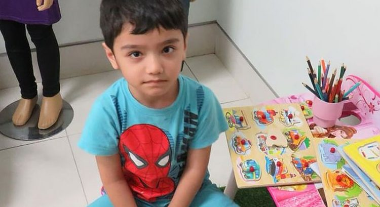 Filipina who 'found' lost boy in Dubai Reef Mall is one who abandoned him