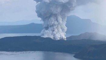 Philippine Taal Volcano eruption: 3 volunteers die in car crash