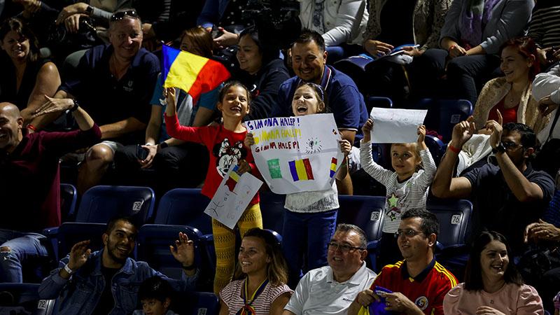 Simona Halep vs Ons Jabeur at the Dubai Duty Free Tennis Championships on February 19, 2020.
