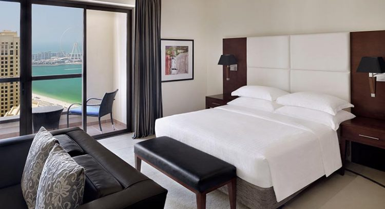 100% cashback staycation at this Dubai hotel