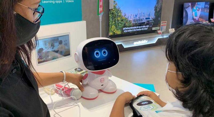 Watch: Cutest robot in UAE unveiled in Dubai