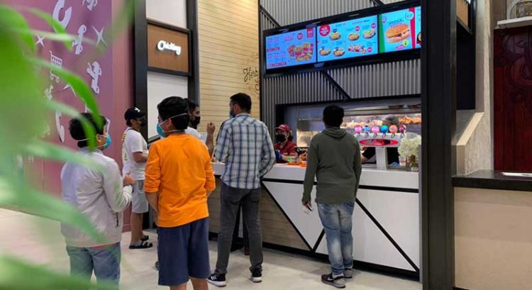 Chicking opens new outlet in City Centre Al Zahia